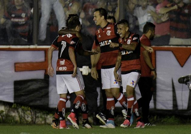 Flamengo: Paolo Guerrero se recupera de golpe en la cabeza