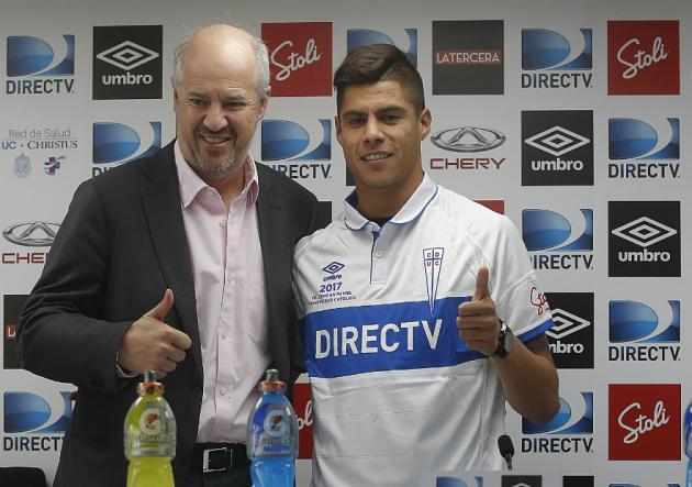Universidad Católica confirma fichaje de Benjamín Vidal