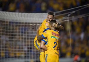 Eduardo_Vargas_celebra_Tigres_PS_2017