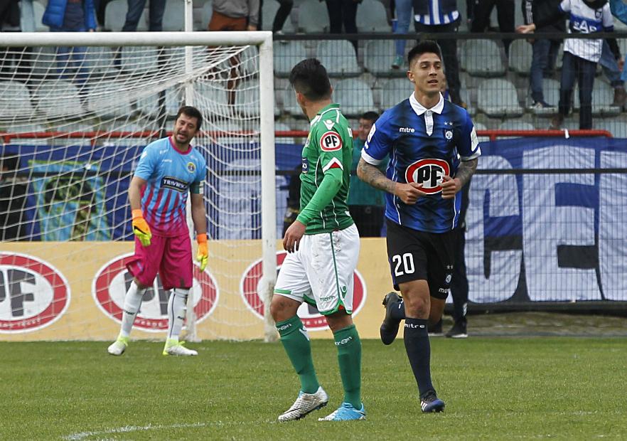 Huachipato superó en los minutos finales a Audax Italiano