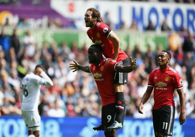Manchester United sigue con su inicio aplastante en la Premier
