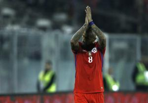 Vidal_Aplaude_Chile_Paraguay_Eliminatorias_PS