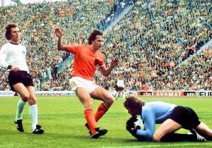 Alemania_Holanda_Mundial_1974_Cruyff_Beckenbauer_Getty