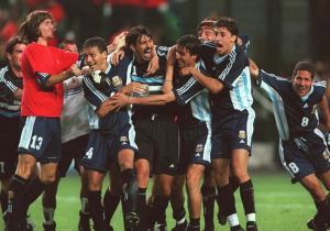 Argentina_celebra_Inglaterra_Mundial_Francia_1998_Getty