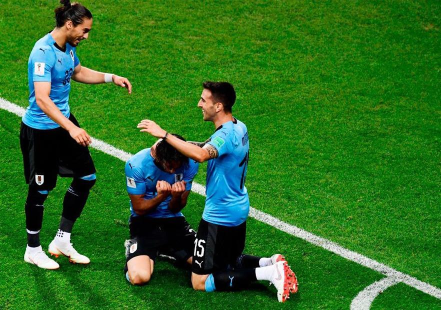 Uruguay_Portugal_Cavani_celebra_Vecino_Cáceres_Mundial_Rusia_2018_Getty