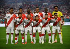Chile_Peru_Amistoso_Formacion_Getty