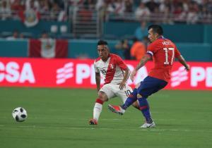 Chile_Peru_Amistoso_Medel_Cueva_Anfp