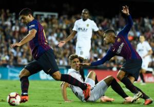 Valencia_Barcelona_Suarez_Balon_Control_Getty