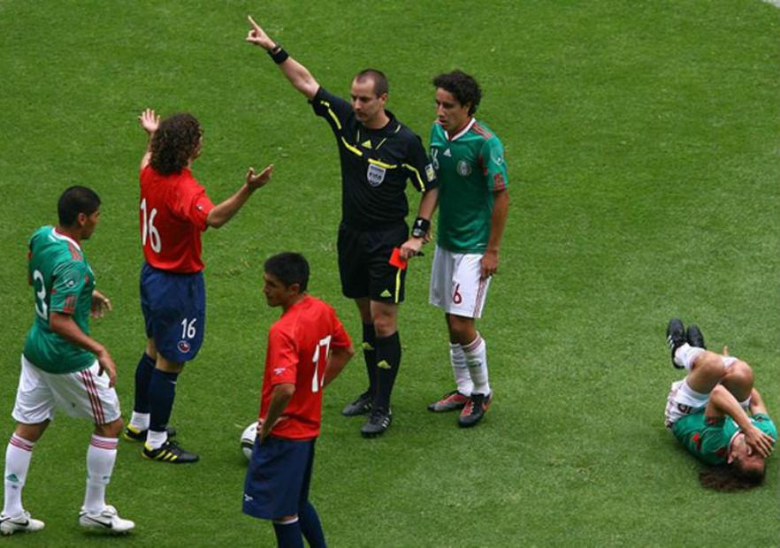 Iturra_Chile_Mexico_2010_amistoso