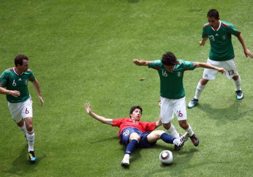 Valdes_Chile_Mexico_2010_amistoso