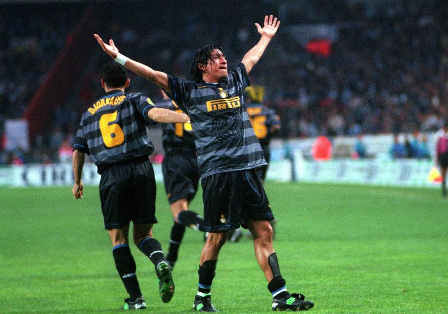 Ivan_Zamorano_campeon_Inter_UEFA_1998_1