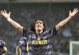 Ivan_Zamorano_campeon_Inter_UEFA_1998_3