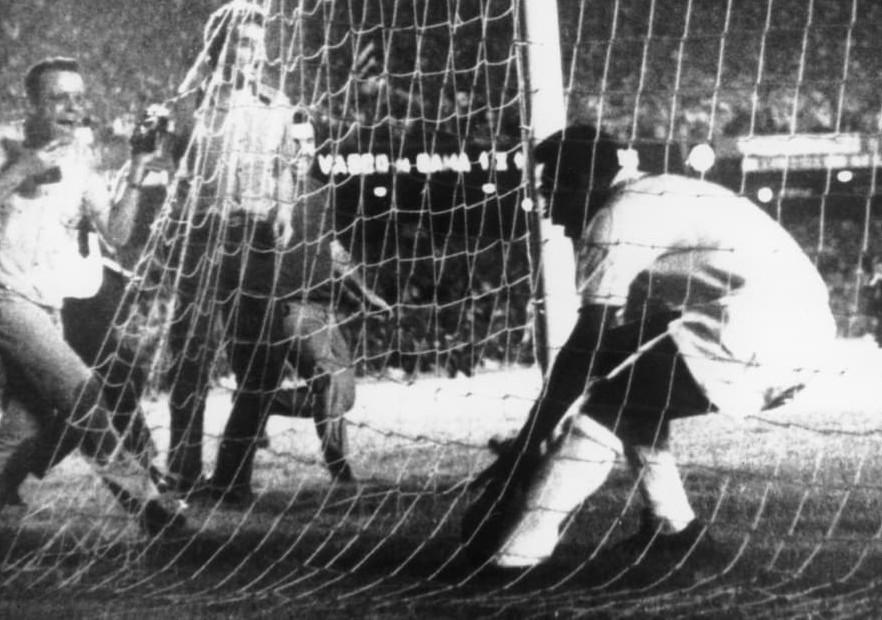 Pelé-Gol1000-Brasil-getty